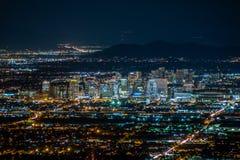 Im Stadtzentrum gelegenes Phoenix nachts stockfotos