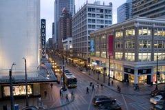 Im Stadtzentrum gelegenes Seattle am Abend Stockbild