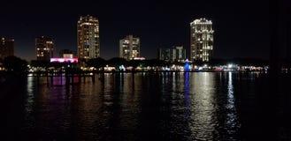 Im Stadtzentrum gelegenes St Petersburg stockfotos