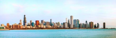 Im Stadtzentrum gelegenes Stadtbildpanorama Chicagos Stockfotos