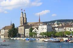 Im Stadtzentrum gelegenes Zürich Stockbilder