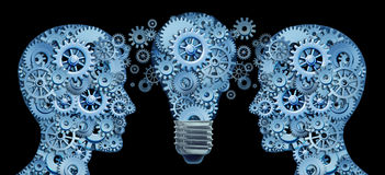 Im Team zusammenarbeiten für Innovation Stockbild