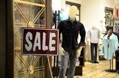 Im Verkauf Zeichen Lizenzfreie Stockfotografie