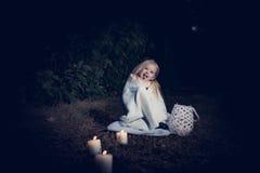 Im Wald mit Licht 2 Lizenzfreies Stockfoto