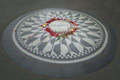 Imagínese el monumento en Central Park foto de archivo