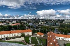 Image aérienne de bourdon de Tallin Estonie de colline de Toompea avec la vue de l'église de dôme, Tallinn, Estonie photographie stock