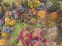 Image aérienne de paysage de bourdon de stupéfaction de paysage vibrant coloré renversant de campagne d'Autumn Fall English photos libres de droits