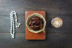 Image aérienne de vue supérieure de Tableau des vacances de Ramadan Kareem de décoration Photos stock