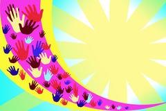 Image abstraite avec les mains multicolores sur un fond des rayures jaunes et pourpres illustration libre de droits