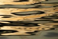 Image abstraite créée par des vagues photographie stock