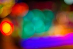 Image brouillée des lumières de fête colorées qui peuvent être employées comme CCB Photos stock