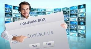 Image composée d'homme d'affaires avec l'écouteur montrant le signe à l'appareil-photo Image libre de droits