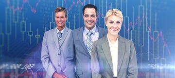 Image composée d'homme d'affaires dans une rangée avec son équipe d'affaires Image libre de droits