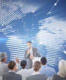 Image composée d'homme d'affaires faisant la parole au cours de la réunion Photos libres de droits