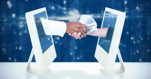Image composée d'homme d'affaires remettant des billets de banque au collègue féminin photo libre de droits