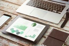 Image composée d'interface d'affaires avec des graphiques et des données Images stock