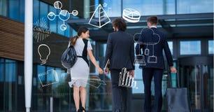 Image composée de Digital des gens d'affaires avec des icônes d'affaires Image stock
