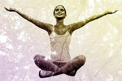 Image composée de femme se reposant avec des bras augmentés photographie stock libre de droits