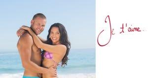 Image composée de jeunes couples attrayants s'étreignant Photo stock