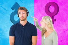 Image composée de jeunes couples ayant un argument images libres de droits