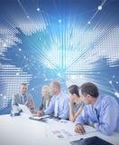 Image composée de l'équipe d'affaires ayant une réunion Images libres de droits