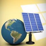 Image composée de l'image 3d du globe avec l'équipement solaire Photo libre de droits