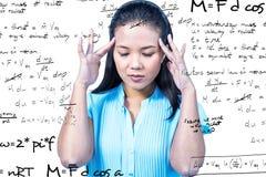 Image composée de la femme d'affaires inquiétée tenant sa tête Photos stock