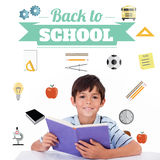 Image composée de nouveau à message d'école avec des icônes Image libre de droits