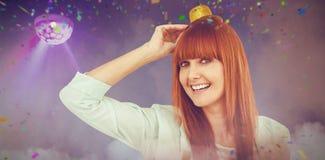 Image composée de partie de port de sourire de chapeau de femme de hippie Image libre de droits