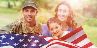 Image composée de portrait d'homme d'armée avec la famille photos libres de droits