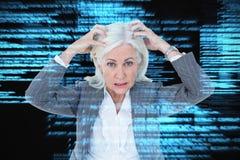 Image composée de portrait de femme d'affaires soumise à une contrainte avec des mains sur la tête Photo libre de droits