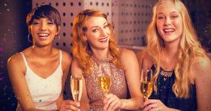 Image composée de portrait de l'ami ayant le champagne Photographie stock
