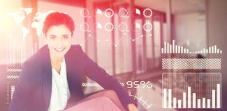 Image composée de portrait de la femme d'affaires à l'aide du comprimé numérique sur le fond blanc Photos stock