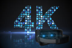 Image composée de simulateur noir de réalité virtuelle au-dessus du fond blanc Image libre de droits