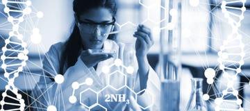 Image composée de structure d'hélice d'ADN sur le fond blanc Image stock