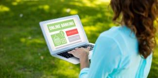 Image composée de texte d'opérations bancaires en ligne sur l'affichage gris Images libres de droits
