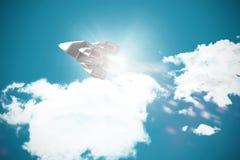Image composée de vue d'angle faible de bateau d'espace chromatique d'argent Images stock