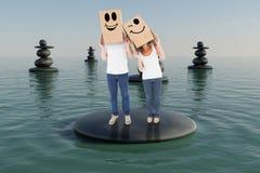 Image composée des boîtes de port de couples mûrs au-dessus de leurs têtes Photographie stock libre de droits