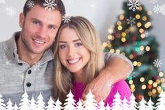 Image composée des couples heureux se tenant Image stock