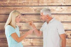 Image composée des couples malheureux ayant un argument photos libres de droits