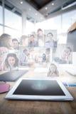 Image composée des gens d'affaires ayant une réunion images stock