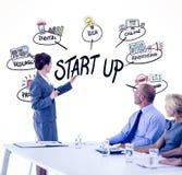Image composée des gens d'affaires regardant le conseil de réunion pendant la conférence Photos stock