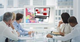 Image composée des gens d'affaires regardant le tableau blanc vide dans la salle de conférence image libre de droits