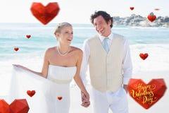 Image composée des nouveaux mariés marchant main dans la main et riant Photographie stock libre de droits