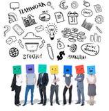 Image composée des personnes avec des boîtes sur leurs têtes Photos stock