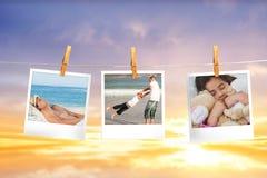 Image composée des photos instantanées accrochant sur une ligne Photos stock