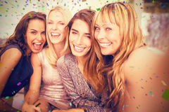 Image composée du portrait de belles femmes ayant l'amusement images libres de droits