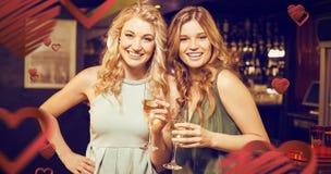 Image composée du portrait des amis buvant du champagne Image libre de droits