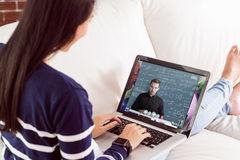 Image composée du portrait des gens d'affaires créatifs avec des technologies au bureau photo libre de droits