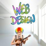 Image composée de hippie geeky dans la perruque Afro d'arc-en-ciel jouant la guitare Image stock